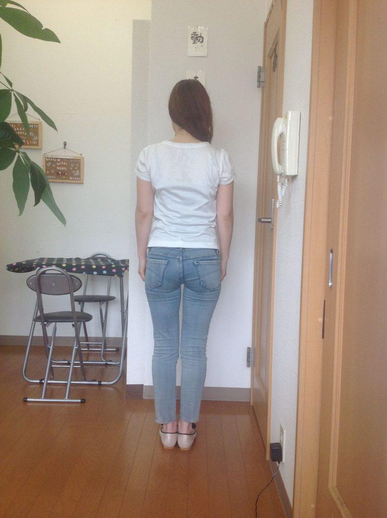 猫背 O脚 体質改善 背中